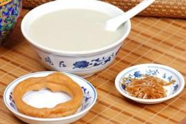 我们客观一点,豆汁儿这种东西,北京人自己都觉得臭