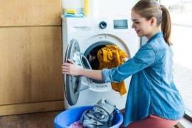 洗衣服忘记掏出卫生纸?教你简单一招,轻松去除碎纸屑