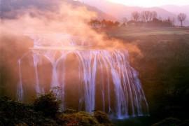 去黄果树只会排队看大瀑布?那你可就亏大了!