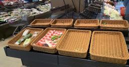 """直击广州""""囤积潮"""":超市货架被扫空,传统菜市场供应仍充足"""