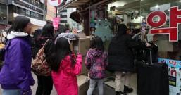 春节期间,韩国口罩和洗手液等防疫用品销量剧增