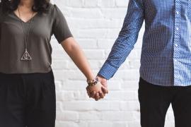 纽约市卫生局发布安全性生活指南:新冠不通过性传播,手是最安全的伴侣