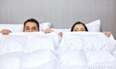 同房时,男性强忍精子不发功,或可导致不育,别再错下去了