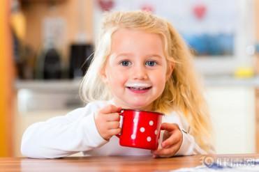 补钙只能靠牛奶?三种常见蔬菜,含钙量不比牛奶低