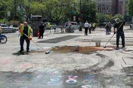 纽约市警驱离BLM营地 清理涂鸦