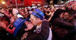 悲惨新年 变种病毒扩散 2大国爱侣跨年夜最激情大事被禁了