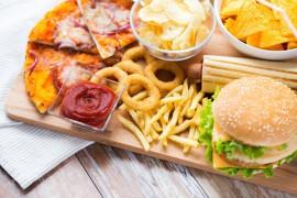 """春节饮食要""""悠着点"""",这几个饮食坏习惯最伤胃!"""