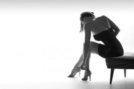 偏爱高跟鞋的女性 警惕拇外翻