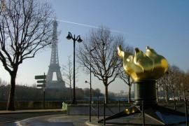 美国给法国的纪念品,缅怀着24年前的今天逝去的黛安娜王妃