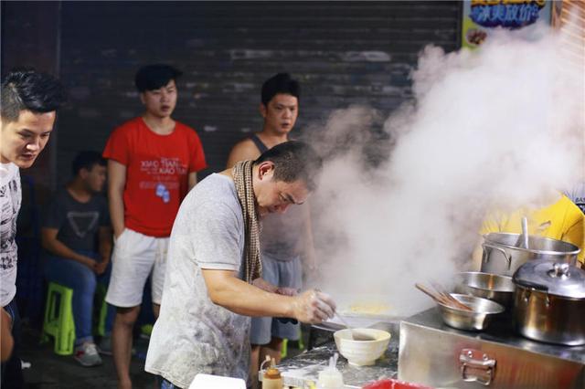 广州人为什么那么晚才睡觉?外出宵夜是很多人的答案 饮食文化 第1张