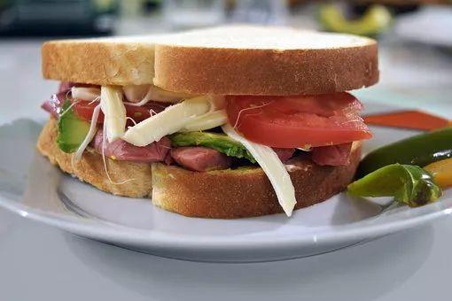 为什么汉堡有荤有素被称为垃圾食品,而三明治却是健康快餐 饮食文化 第3张
