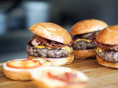为什么汉堡有荤有素被称为垃圾食品,而三明治却是健康快餐 饮食文化 第2张