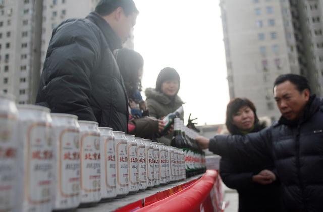 """伴随几代北京人的五星啤酒厂将拆,还记得""""暖瓶打散啤""""吗? 伴随几代北京人的五星啤酒厂将拆,还记得""""暖瓶打散啤""""吗? 网文选读"""