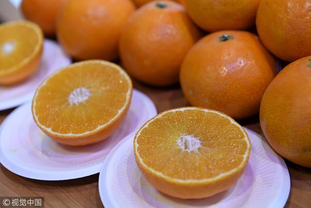 橘子甜不甜,挑选技巧学起来 橘子甜不甜,挑选技巧学起来 饮食文化