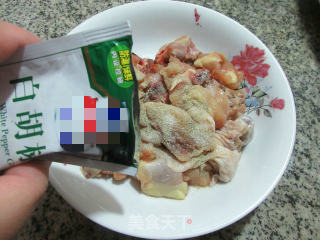 避风塘炒鸡块的做法步骤 家常菜谱 第3张