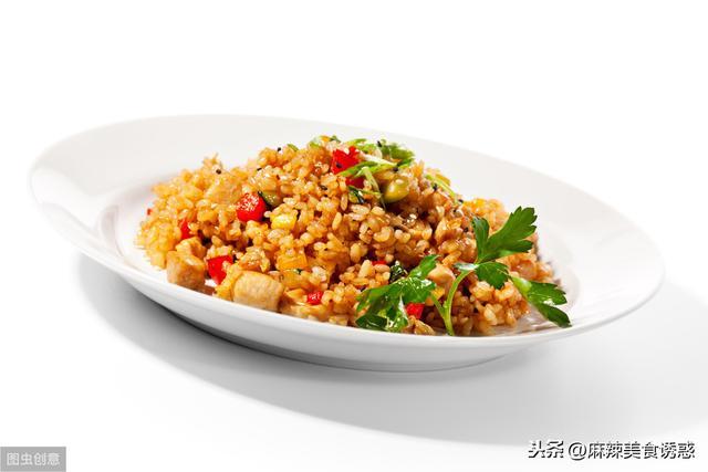 为什么炒蛋炒饭时会粘锅?其实是少了这一步,这样炒颗粒分明 家常菜谱 第2张