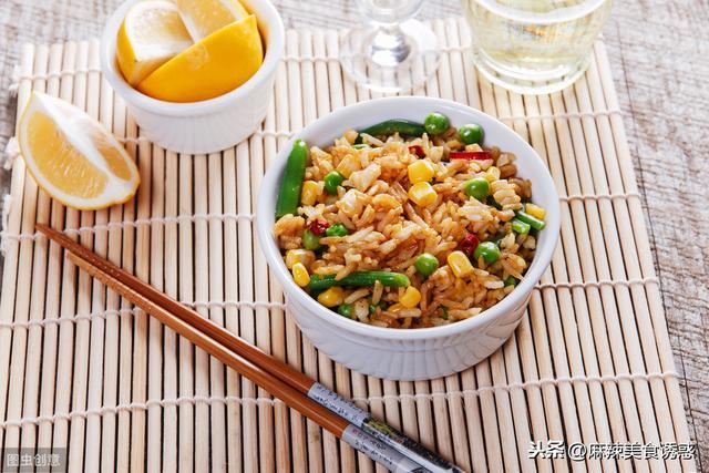 为什么炒蛋炒饭时会粘锅?其实是少了这一步,这样炒颗粒分明 家常菜谱 第3张