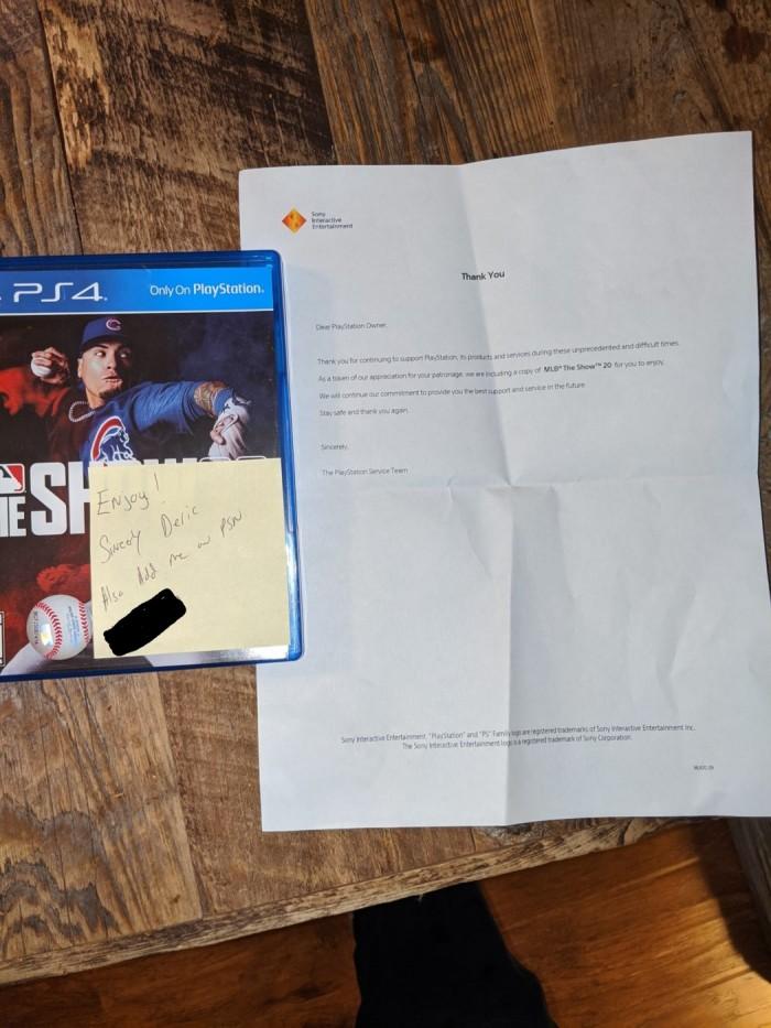 玩家PS4 Pro因光驱故障返厂维修 索尼送回时竟还附送了《美职棒大联盟20》 游戏资讯 第1张