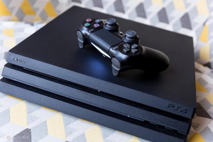 玩家PS4 Pro因光驱故障返厂维修 索尼送回时竟还附送了《美职棒大联盟20》 游戏资讯 第2张