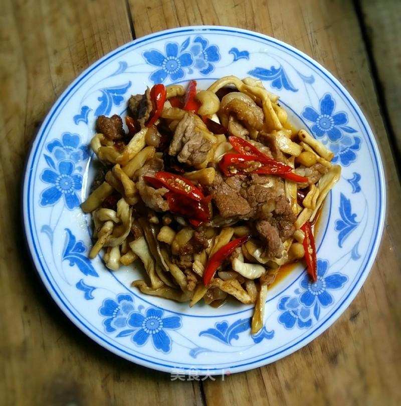 五花肉炒干萝卜条的做法步骤 家常菜谱 第1张