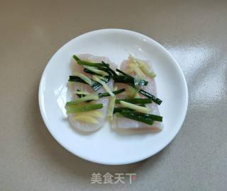 清蒸龙利鱼的做法步骤 家常菜谱 第4张