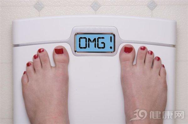 减肥天天称体重,但你真的会吗? 生活与健康 第1张