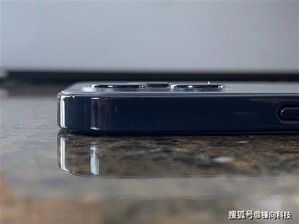 海外达人提前上手iPhone 12机模,对比iPhone 11这一点变化最明显 消费与科技 第1张