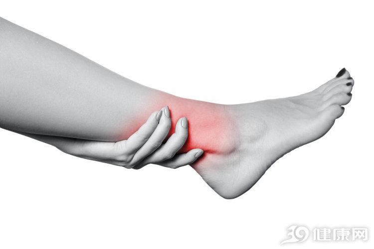 人老腿先衰:腿部出现这4个信号,是衰老的征兆 生活与健康 第2张
