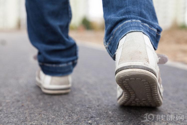 """人老脚先衰!老人买鞋牢记5大原则,买了""""坑老鞋"""",费钱又伤脚 网文选读 第5张"""
