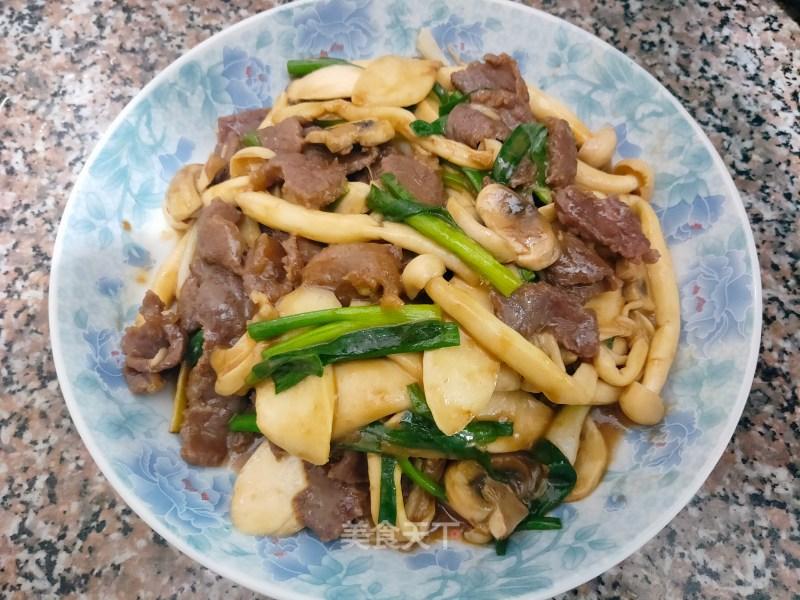 杂菇炒牛肉的做法步骤 家常菜谱 第1张