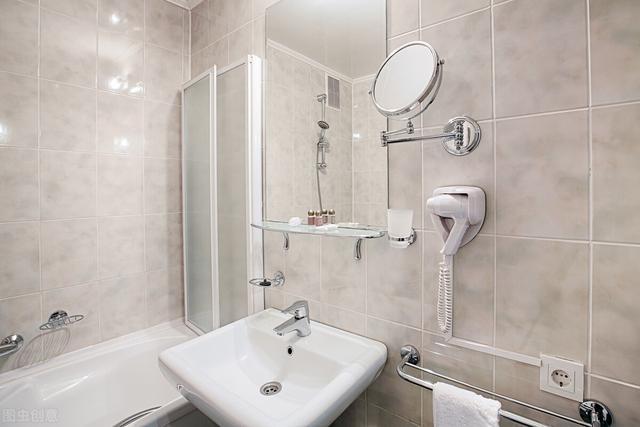 一对夫妻在五星级酒店洗手间发现摄像头,洗澡画面全遭记录 无忧杂谈 第1张