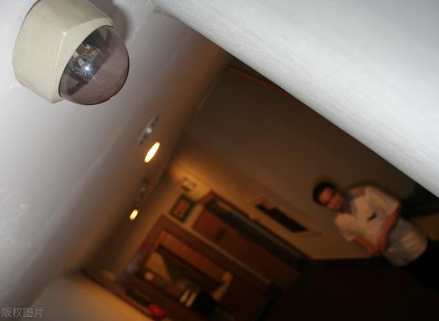 一对夫妻在五星级酒店洗手间发现摄像头,洗澡画面全遭记录 无忧杂谈 第4张