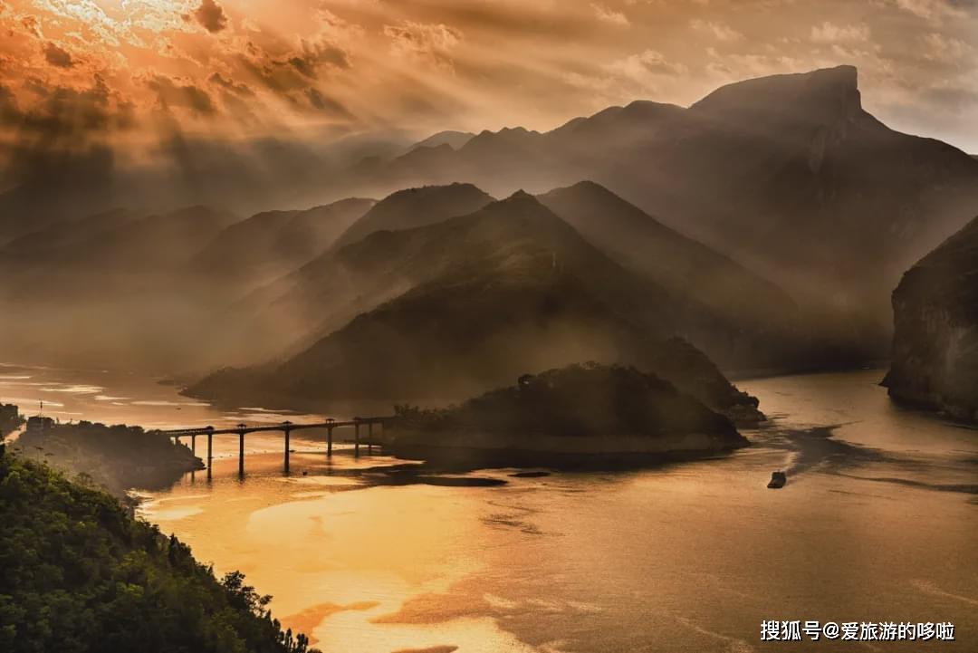 三峡之秋,完全不输日本的红叶季,手把手教你吊打票圈! 旅游资讯 第1张