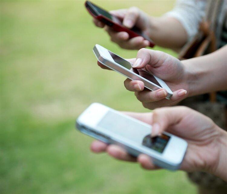 上厕所喜欢玩手机的人:你的4个器官正慢慢受损 健康养生 第2张