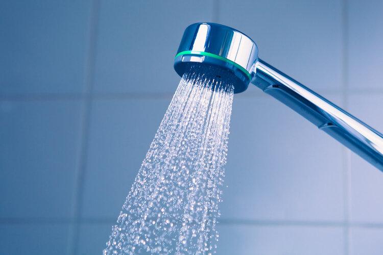 女孩洗澡时也会站着排尿?别不好意思,这可能对身体还有好处 健康养生 第3张
