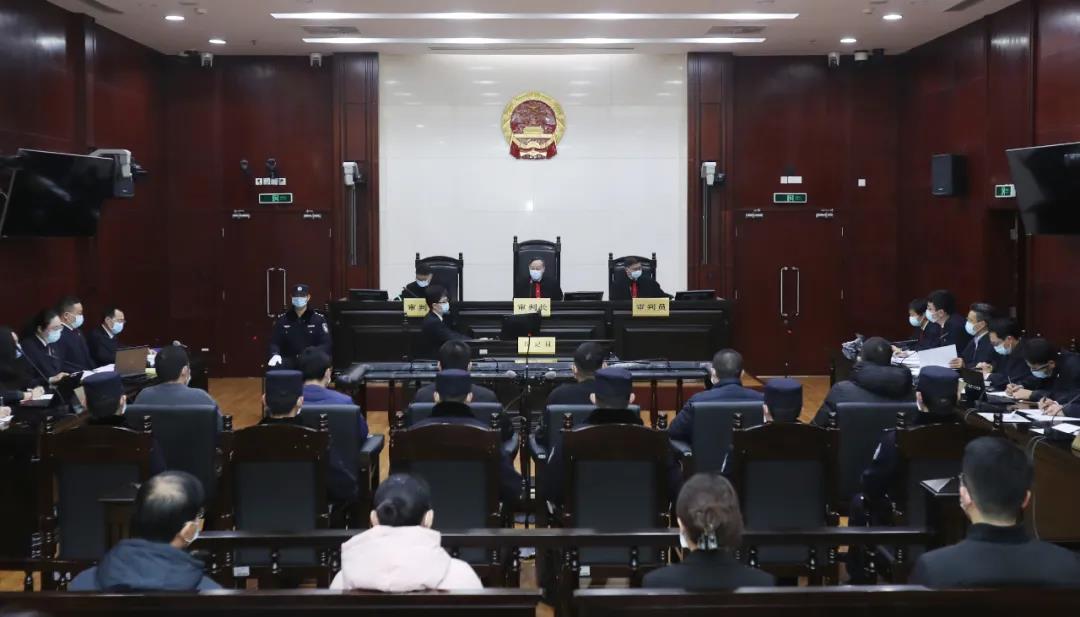"""上海""""乐拼""""仿冒""""乐高""""案宣判:涉案3.3亿元、主犯获刑6年 网文选读 第1张"""
