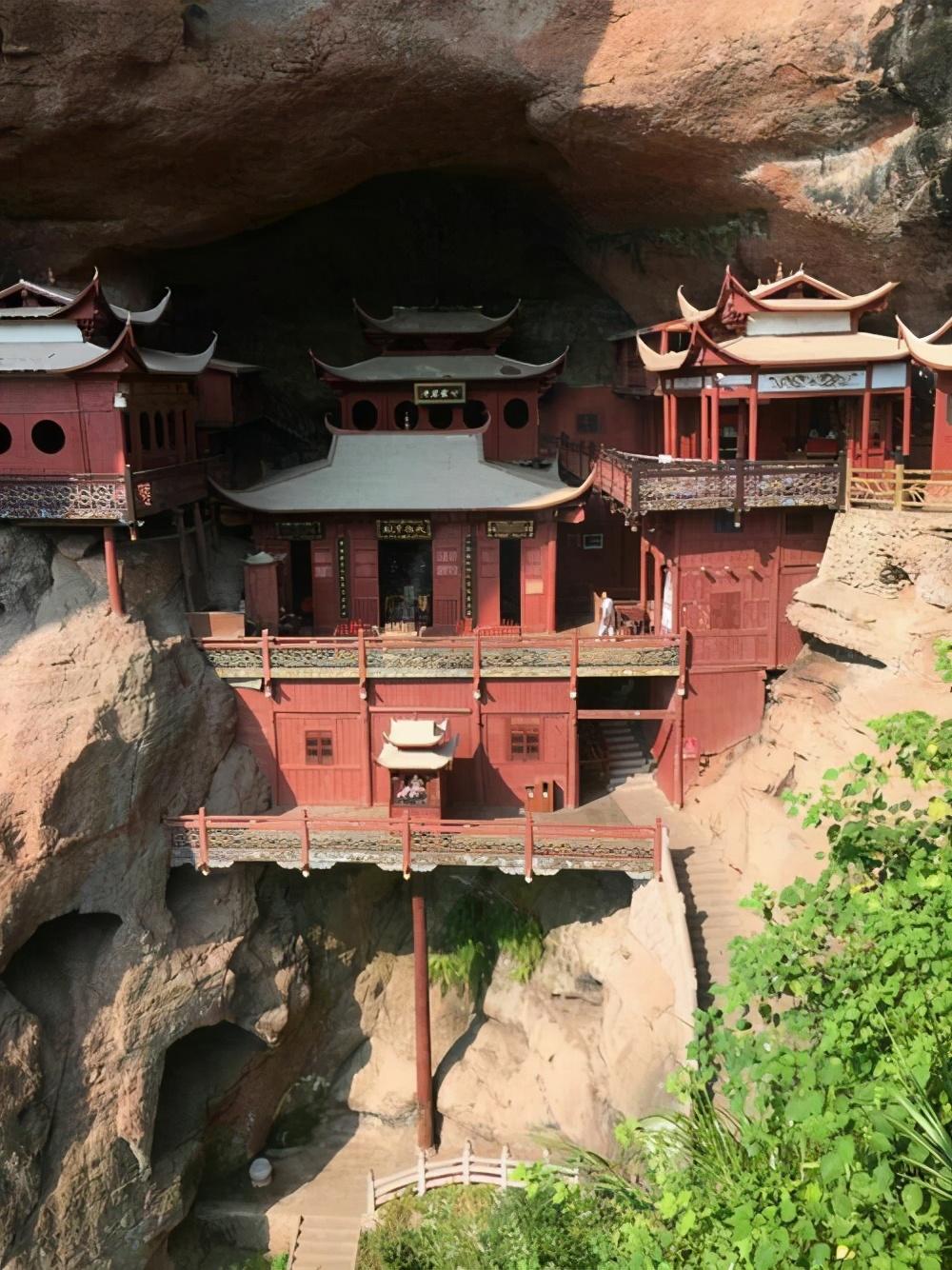 福建甘露岩寺:只靠一根柱子支撑900年,整个建筑都没一颗铁钉 旅游资讯 第2张