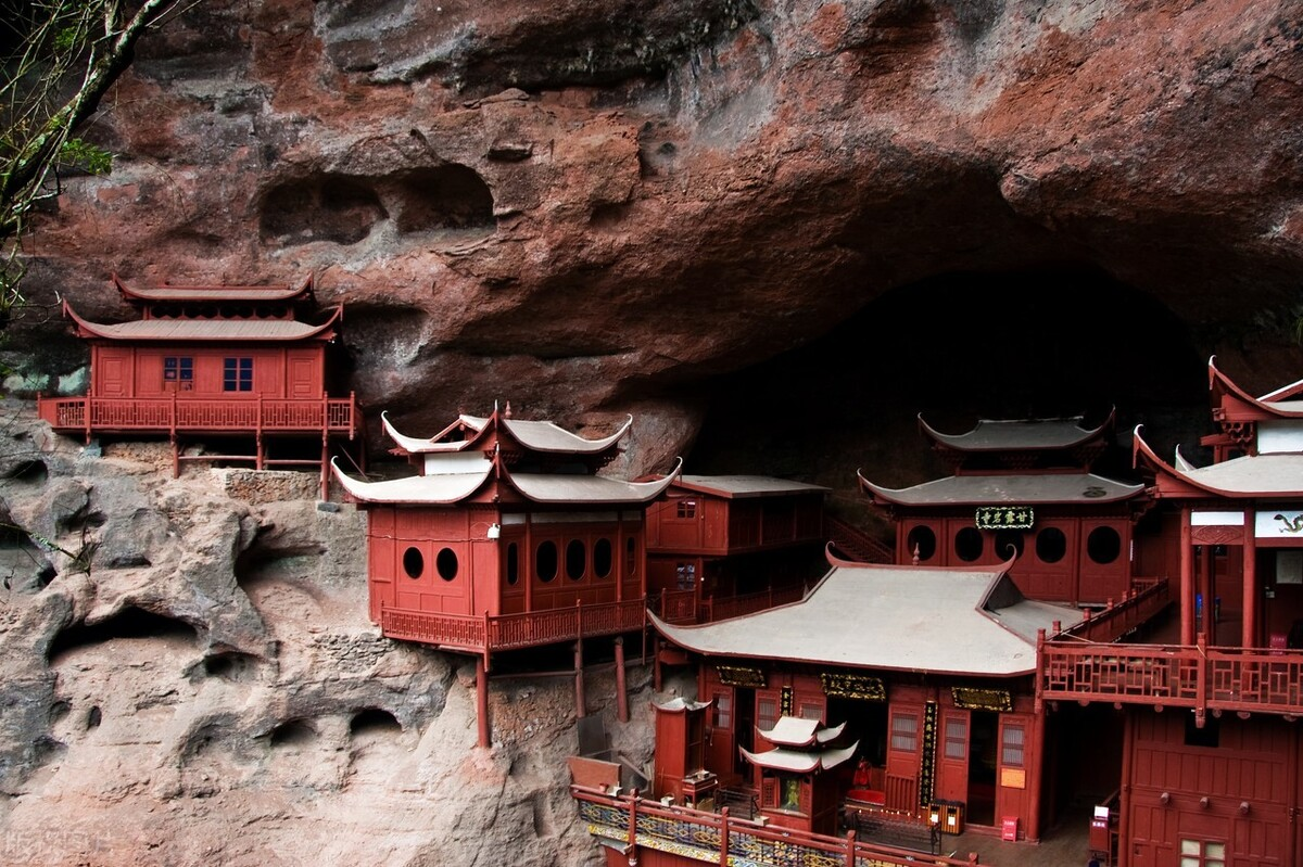 福建甘露岩寺:只靠一根柱子支撑900年,整个建筑都没一颗铁钉 旅游资讯 第3张
