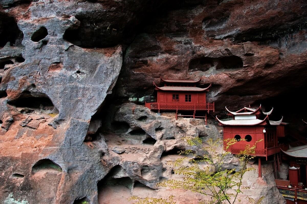 福建甘露岩寺:只靠一根柱子支撑900年,整个建筑都没一颗铁钉 旅游资讯 第4张