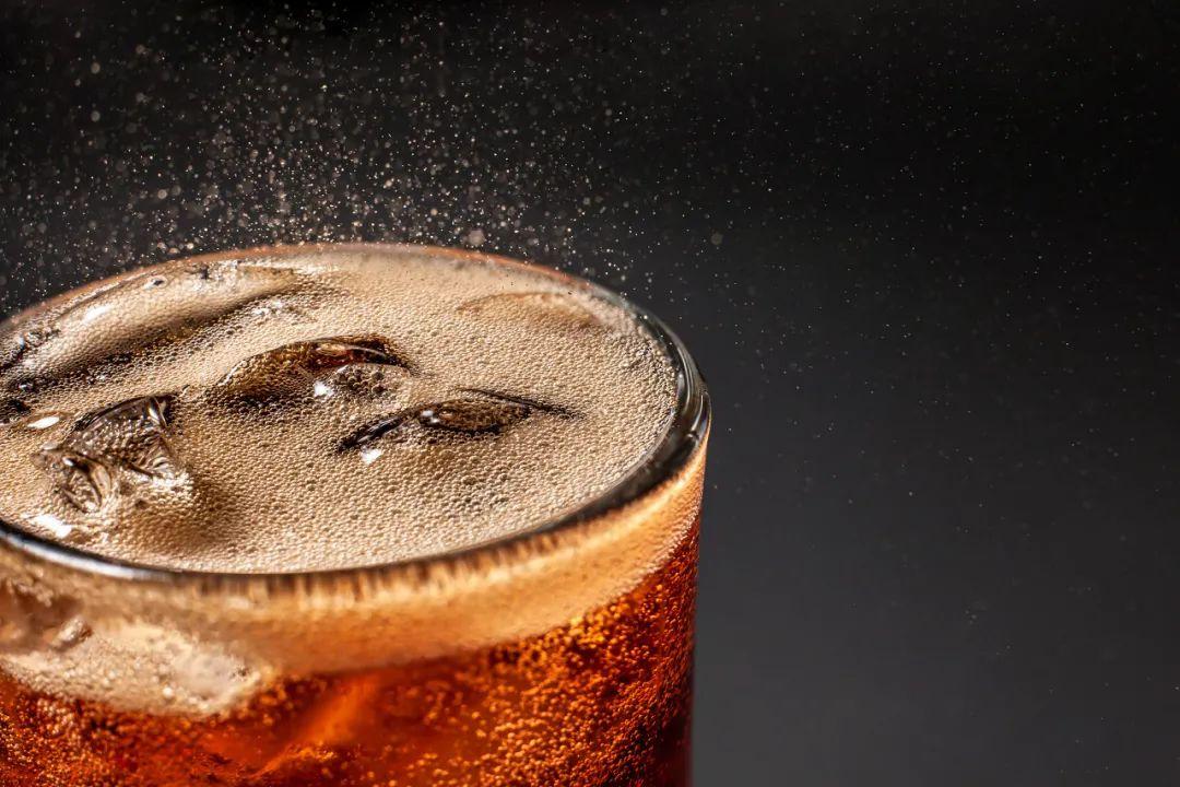 """碳酸饮料的几大""""罪行"""",需适当控制 生活与健康 第4张"""